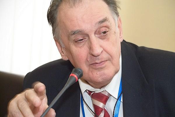 Заместитель научного руководителя ГУ-ВШЭ Лев Любимов