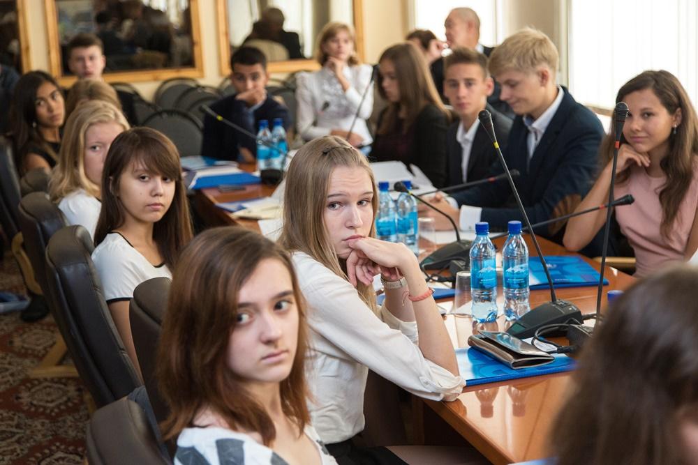 как поступить в школу в москве офиса