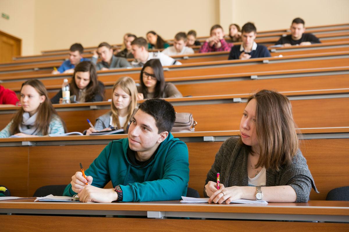 Какую помощь Владимир Путин готов предоставить студентам неполных семей